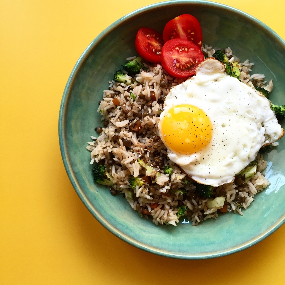 lentil, broccoli, rice, egg rice bowl recipe