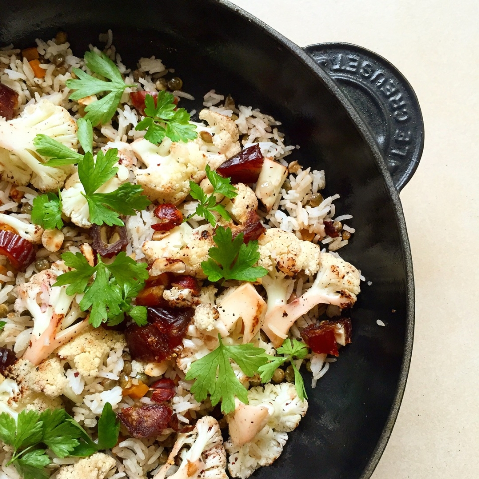 sumac cauliflowers, dates, hazelnut, lentil rice salad recipe