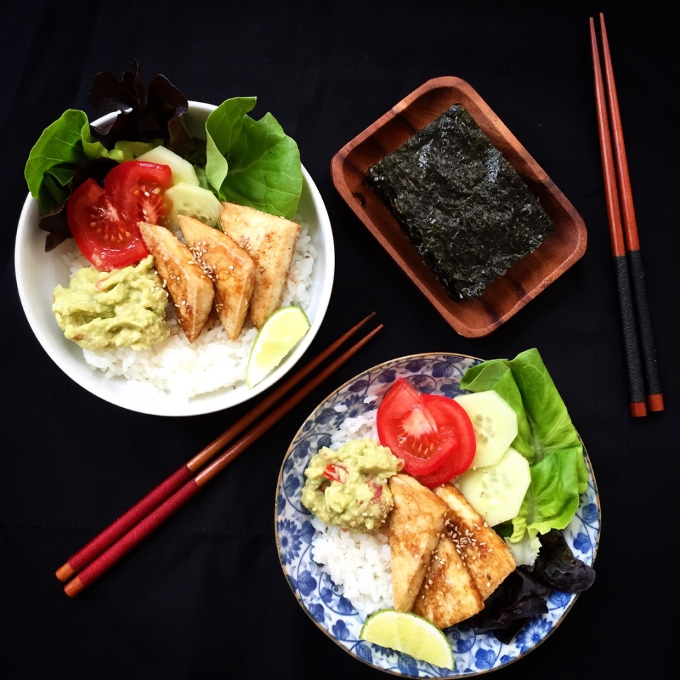 Grilled tamari tofu, guacamole, nori rice bowl recipe