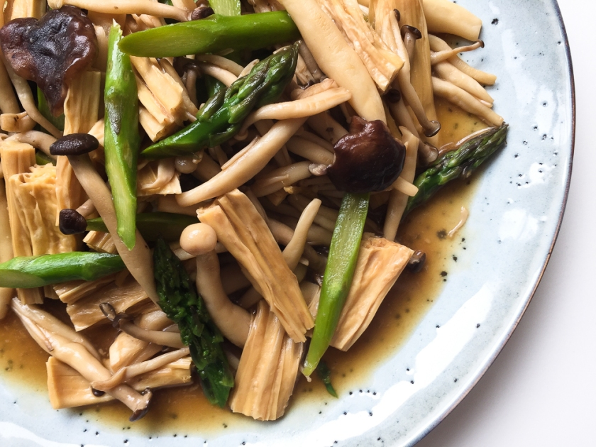 Braised Yuba with Mixed Mushrooms and Asparagus recipe