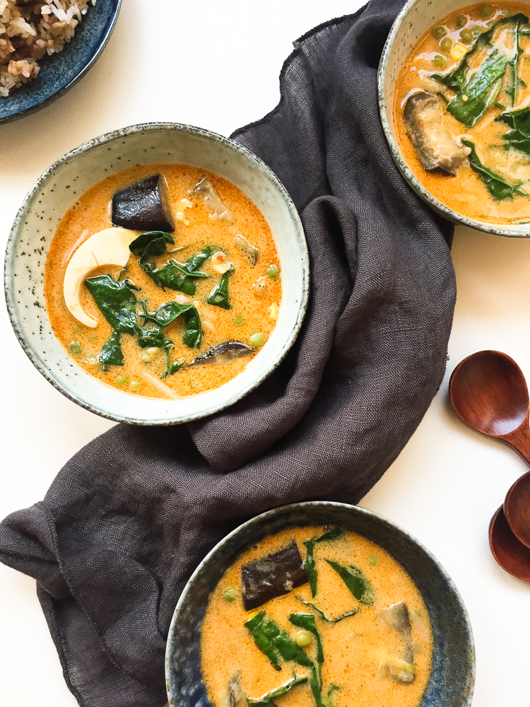 Thai Curry coconut soup with Aubergine and Kale recipe
