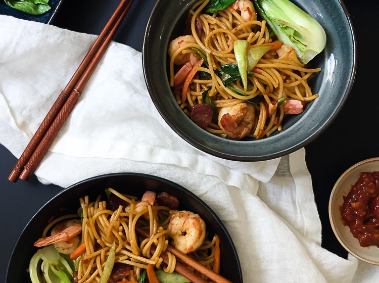 Chili Prawn Chow Mein (Stir-Fried Noodles) recipe
